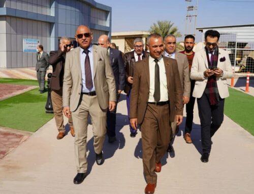 رئيس جامعة الفرات الاوسط التقنية يلتقي بطلبته المستضافين في الكلية.
